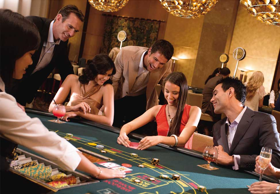 Enjoy Online Poker Game