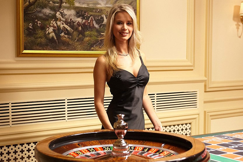 advantages of online poker